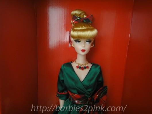 A doll tem muitos acessórios | Foto: Caori