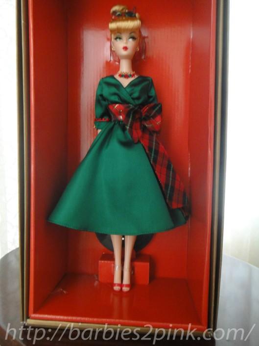 A doll e seu traje completo | Foto: Caori
