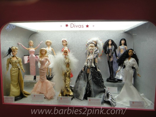 Divas: Barbie Marilyn Monroe, King Kong,Dourada, Deusa da Galáxia, Cher e Dianna Ross | Foto: Caori