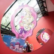 Espelho com a Barbie | Foto: Museu Encantado - via Facebook