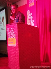 Bill dando a palestra e comentando sobre os lançamentos de 2013 e...2014 | Foto: Caori para BS2P