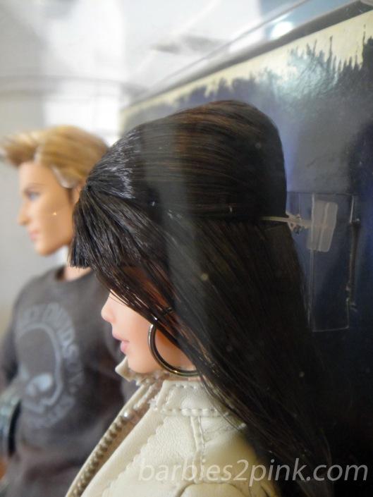 O cabelo com um pequeno coque | Foto: Caori